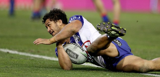 Harawira-Naera scores the try to lead for Bulldogs