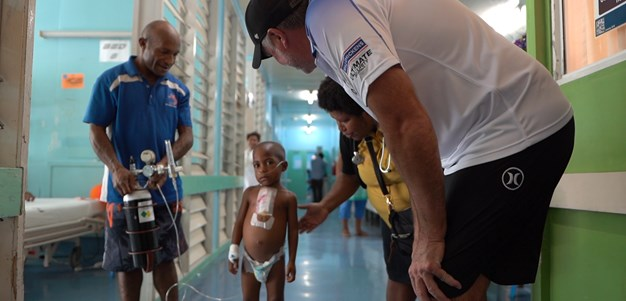 Bulldogs visit Port Moresby General Hospital