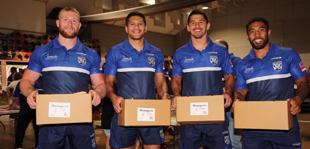 Bulldogs lend helping hand to Addi Road's Christmas Hamper Appeal